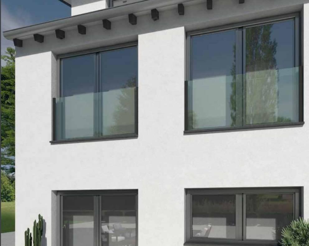 Nuevos balcones franceses Clear Vista, seguridad y transparencia