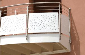 postes mecanizados de anclaje lateral